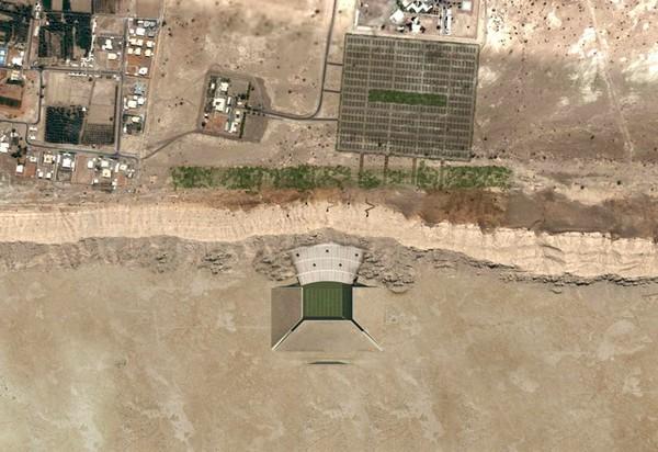 http://www.archiseasons.ru/wp-content/uploads/2012/06/Al-Ain-Stadium-5.jpg